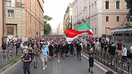Italy: Thousands rally against COVID Green Pass in Rome