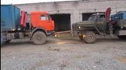Коя машина е по-сериозна, Урал или Камаз? И двата камиона са натоварени!