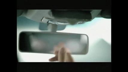 Fiat Uno 2011 - Бебе се кефи в кола ; - )