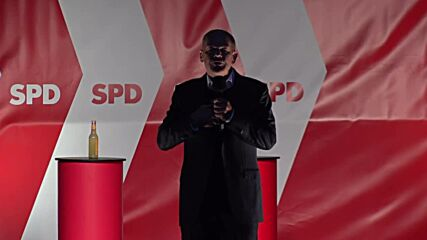 Germany: Scholz addresses climate activists at Luneburg elex rally