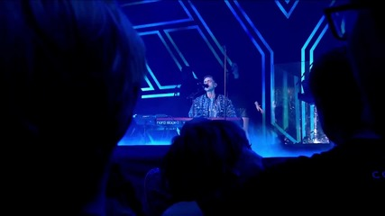 Years And Years - Eyes Shut ( Live At The Jingle Bell Ball 2015 )