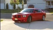 Dodge Charger 6.1l Hemi излиза от гаража!