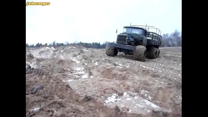 Зил 131 не може да го спре малко кал
