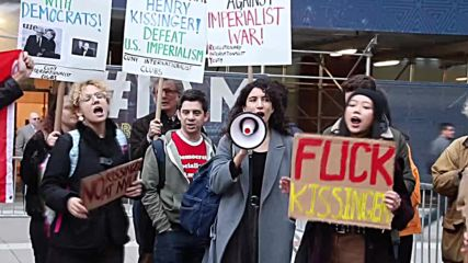 USA: NYU Students protest against 'war criminal' Kissinger's visit