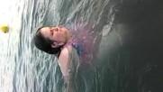 Ели плува