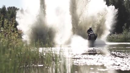 Страхотни stunt умения с моторна шейна
