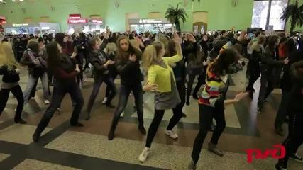 тълпата на гарата в Москва