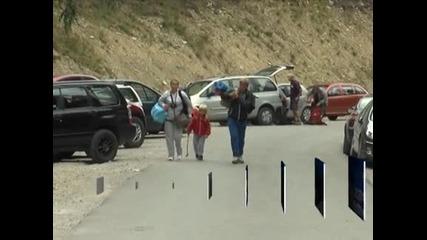 Джипове и АТВ-та незаконно извозват туристи в Рила