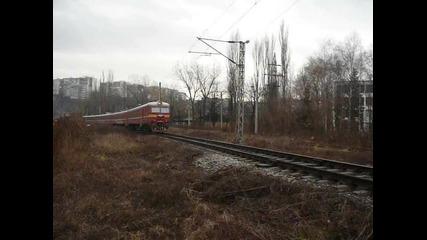 32 029.1/030.9 обслужва влак 42209