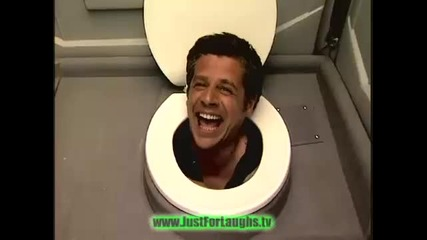 Ръководителят в тоалетната чиния - Само за Смее