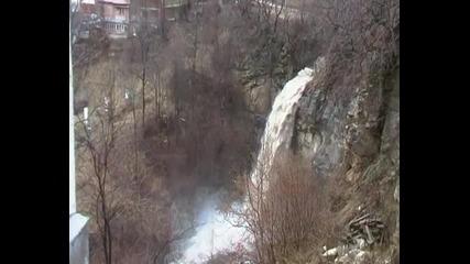 Бедствие в Смолян - смолянският водопад