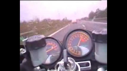 Kawasaki Zxr Vs Mercedes Cl 600