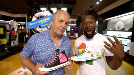 Kofi Kingston and Bret Hart go sneaker shopping