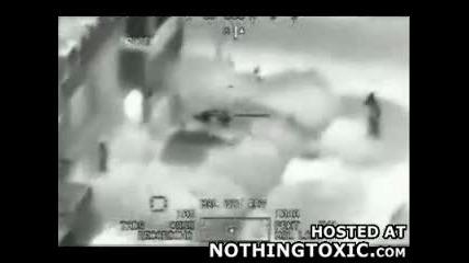 Избухлива компилация на американци,  които бомбардират иракчани,
