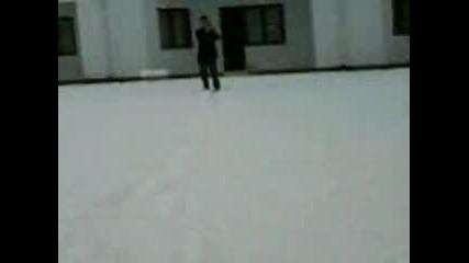 Луди На Сняг част 1