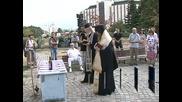 Репресирани поднесоха цветя на паметника на жертвите на комунизма