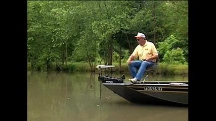 Най - некадърния риболовец:много смях!!!