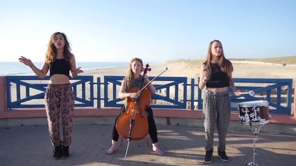 Момичета акустично изпълняват някои от хитовете на лято 2015!