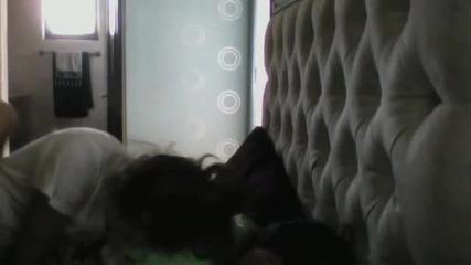 Ето как Н Е трябва да събуждаш някой !! * С М Я Х *