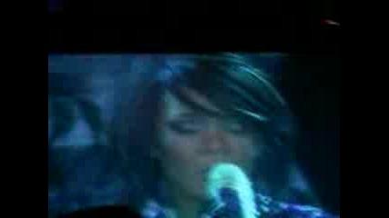 Rihanna В София 2