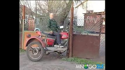 Идиот срещу ограда !!!