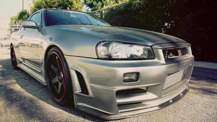 Мощ и дизайн в едно. Nissan Skyline R34 Gtr
