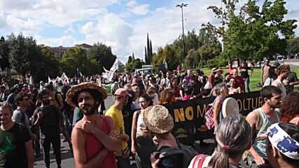 Italy: Farmers protest ahead of G20 agricultural meeting in Florence