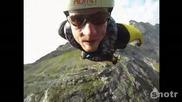 Скок без прашут гледка от камерата на каската на човека