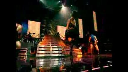 !live ~ Rihanna - Breakin Dishes