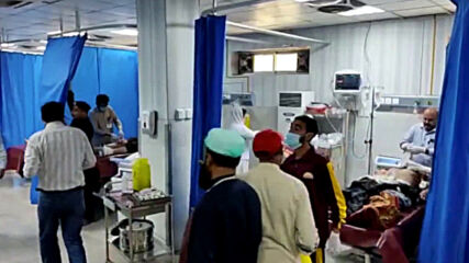 Pakistan: At least 8 killed in bomb attack at Peshawar religious school