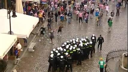 Хърватски фенове се бият срещy полицаи