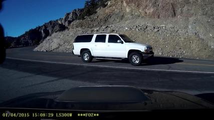 Мъж претърпява жестока катастрофа, заснета от камерата на колата му!