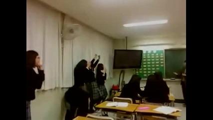 Студентки си правят Тк с учителя си!