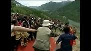 Счупиха рекорд за ходене по въже в Китай