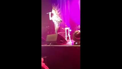 Nicole Scherzinger - Pretty ( Killer Love Tour 2012) -