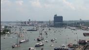 На тия и морето им стана тясно! Гледайте за какъв парад на плавателни съдове става въпрос!