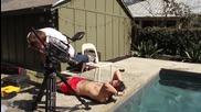 Трик с шапка за плуване на забавен каданс - the slow mo guys