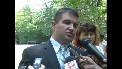 И.д. кметът бесен на публикации