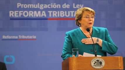 Chile's President Michelle Bachelet Signs Same-sex Civil Union Law
