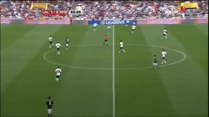 23.04.2011 Валенсия 1-5 Реал Мадрид гол на Роберто Солдадо