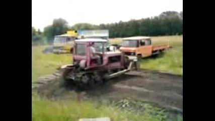 Дрифтове с верижен трактор ДТ-75