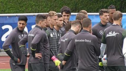 Шкодран Мустафи преминава медицински прегледи в Арсенал