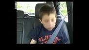 хлапе яко се е напушило при заболекаря