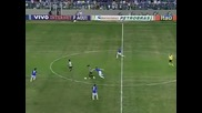 Роналдиньо пак показа класата си !