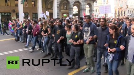 Italy: Clashes break out between antifa protesters and police in Bologna