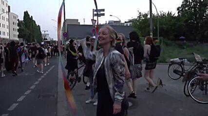 Germany: Hundreds take part in lesbian Duke March in Berlin