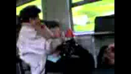 Щъркел И Жена Във Влак