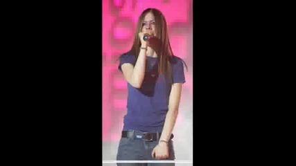 Happy Birthday Dear Avril!!