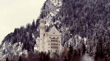 Приказният замък Нойшванщайн и Лебедовото езеро...