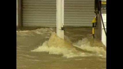 Смъртоносни наводнения в Източна Австралия